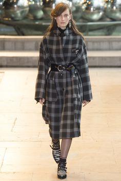 Isabel Marant Fall 2016 Ready-to-Wear Fashion Show - Julia Bergshoeff (Viva)