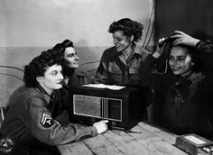 WACs listen to radio, 1944 - The Betty H. Carter Women Veterans Historical Project - University Archives - UNCG University Libraries