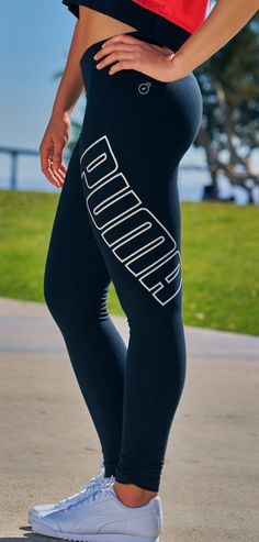 Turn heads in the gym or on the street in the hottest PUMA leggings.
