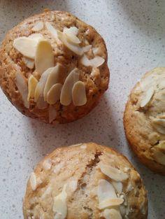 Kasztanowa kuchnia: Muffinki owsiane z jabłkiem i migdałami