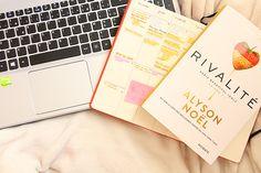 5 bonnes raisons de débuter un blog - pourquoi débuter un blog - alyson noel rivalité - ordinateur - webzine les plumettes
