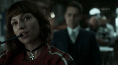 Gif of Tokyo character in the second season of the La Casa de Papel series. Violet Aesthetic, Aesthetic Gif, Carl Grimes, Annoying Girlfriend, Apocalypse, Fille Gangsta, Supportive Friends, Sweet Guys, Beautiful Arabic Words