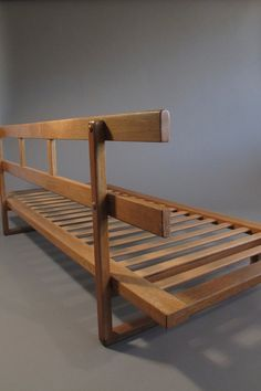 Borge Mogensen for Frederica Oak Daybed In Excellent Condition For Sale In Berkeley, CA . Diy Furniture Couch, Diy Sofa, Furniture Styles, Home Decor Furniture, Furniture Design, Home Building Design, Home Room Design, Living Room Designs, Daybed Design