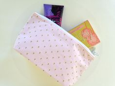 Pink and gold makeup bag, handmade. Gift idea for teen girls or the traveler. https://www.etsy.com/listing/267777930/