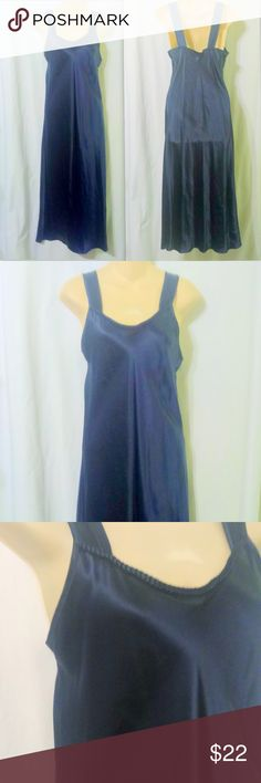 3849905945 Valerie Stevens Navy Blue 100% Silk Long Nightgown This gorgeous nightgown  is made by Valerie
