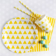 Daffodil Yellow Triangles Tableware Collection