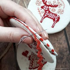 How to Make Stylish Pin Keeper Christmas Decorations with Embroidered Elements How to Make Stylish Pin Keeper Christmas Decorations with Embroidered Elements – бесплатный мастер-класс по теме: Interior Decoration ✓Своими руками ✓Пошагово ✓С фото Cross Stitch Christmas Ornaments, Xmas Cross Stitch, Christmas Cross, Cross Stitching, Cross Stitch Embroidery, Embroidery Patterns, Hand Embroidery, Cross Stitch Patterns, Loom Patterns