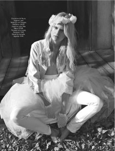 white escape: caroline schurch by hilary walsh for glamour france may 2013