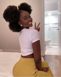 Afro Hairstyles are great with buns, updos, ponytails, braids, curls. To be a natural beauty you must see these hairsyle ideas right now. Black Girls Hairstyles, African Hairstyles, Hairstyles Haircuts, Black Is Beautiful, Curly Hair Styles, Natural Hair Styles, 4c Natural Hairstyles, Hairstyles With Braiding Hair, Braids With Curls