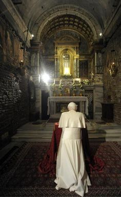 whenyoulovejesus:  Pope Benedict praying in front of Mary's house inBasilica della Santa Casa (Loreto, Italy)  Habemus Papem!