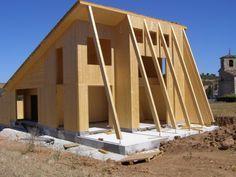 Aplicaciones madera contralaminada KLH.Vivienda Unifamiliar en Álava. Estructura de madera contralaminada KLH, muros de carga y forjados. Cubierta de madera laminada aislada con GUTEX