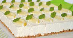 Könnyed, üdítő nyári desszert sütés nélkül.    Hozzávalók 25 x 35 cm-es formához    Az alaphoz  30 dkg kekszmorzsa (itt zabkeksz)  1... Baking Recipes, Cake Recipes, Baking Utensils, Torte Cake, Lemon Curd, Sweet Life, Vanilla Cake, Nutella, Sweet Treats