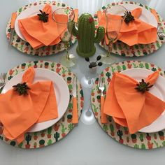 Come Dine With Me, Dining Etiquette, Table Manners, Birthday Centerpieces, Dinning Table, Table Covers, Cheap Home Decor, Christmas Home, Tablescapes