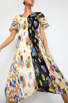 Julia Heuer Sasha Kaftan in Jesper Print Tie Dyed, Looks Style, Kaftan, Frocks, Fitness Models, Cool Outfits, Topshop, Women Wear, Short Sleeve Dresses