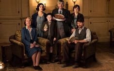 LAZY SUNDAY: THE GUERNSEY LITERARY AND POTATO PEEL PIE SOCIETY