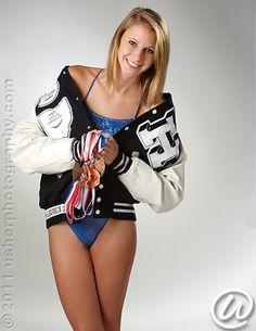 Senior Portrait / Photo / Picture Idea - Girls - Swimming / Swimmer - Diving / Diver