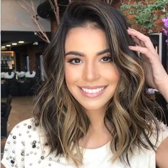 36 Light Brown Hair Colors That Are Blowing Up in 2019 - Style My Hairs Ombre Hair Color, Hair Color Balayage, Brown Hair Colors, Hair Highlights, Haircolor, Auburn Balayage, Short Hair With Balayage, Medium Balayage Hair, Brown Balayage
