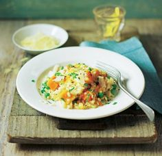 Bowl of butternut squash and pea risotto Butter Squash Recipe, Asda Recipes, Squash Puree, Risotto Rice, Good Healthy Recipes, Healthy Food, Slimming World Recipes, Butternut Squash, Veggies