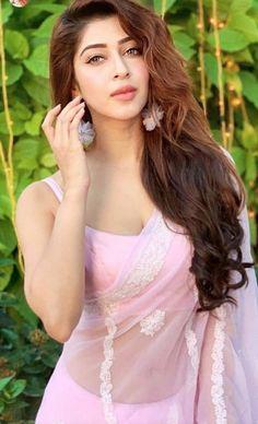 Cute girl in saree Beautiful Girl Indian, Most Beautiful Indian Actress, Beautiful Girl Image, Beautiful Saree, Beautiful Bollywood Actress, Beautiful Actresses, Beauty Full Girl, Beauty Women, Indian Tv Actress