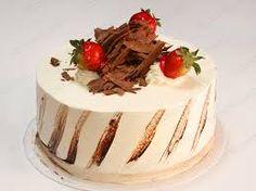 Image result for torta decorada con fresas y chocolate