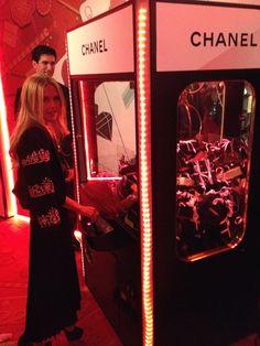 "Chanel ""Grabber Vending machine"" at the Chanel store in Las Vegas!! xo MJ"