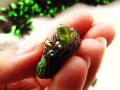 Колечко с хризолитом (натуральные камни)