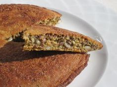 Lättlagat fröbröd i stekpanna Raw Food Recipes, Baking Recipes, Healthy Recipes, Healthy Food, Lchf, Swedish Recipes, Sugar Free, Banana Bread, French Toast