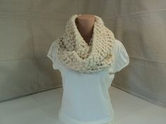 48.29$  Watch here - http://vijuy.justgood.pw/vig/item.php?t=bfsxu517549 - Handcrafted Cowl Wrap Cream Textured Merino Wool Infinity Female Adult