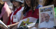 Pape François - Pope Francis - Papa Francesco - Papa Francisco – 24 mai 2014 : Jordanie, première étape de son périple en Terre sainte- Messe au stade d'Aman
