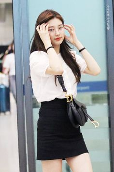 Suzy 180721 Incheon Airport from Taiwan Suzy Bae Fashion, Kpop Fashion, Korean Fashion, Girl Fashion, Fashion Outfits, Bae Suzy, Korean Beauty, Asian Beauty, Kpop Mode