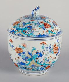 Enamels flowers and birds statement Futamono Imari Kakiemon style