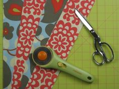 how to make a simple quilt block. easy step by step directions!