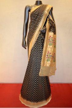 Black Georgette Silk Saree Adoring With Meenakari Grand Floral Pallu                                       Product Code: AC205851