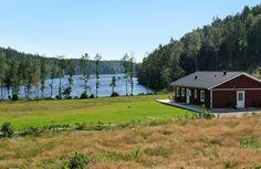Haus in abgeschiedener Lage ohne Sicht auf Nachbarn. Atemberaubende Aussicht auf den Strandsjön.