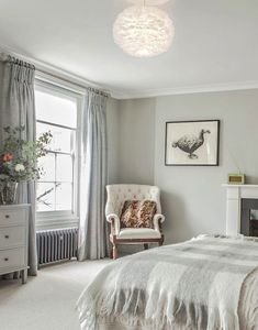 Decor Inspiration : Stunning Georgian townhouse, recently renovated In Central London Townhouse Interior, Georgian Townhouse, Georgian Homes, Bedroom Loft, Home Decor Bedroom, Hotel Bedroom Design, Bedroom Ideas, Bedroom Inspiration, Master Bedroom