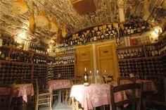 Wednesday night wine tasting!  Cava turacciolo - Wine bar Enoteca - Bellagio - Italy