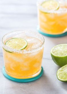 Fresh Cantaloupe Margarita features sweet cantaloupe melon and classic margarita flavors of tequila, Cointreau, and lime for a refreshing summer cocktail! Cantaloupe And Melon, Cantaloupe Recipes, Bourbon Cocktails, Cocktail Drinks, Drambuie Cocktails, Recipes, Daisies, Milkshakes, Party