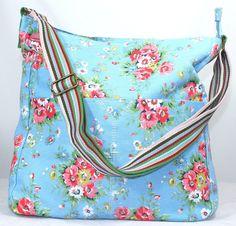 Kirsty Flower Bunch Print Slouchy Crossbody Bag in Baby Blue