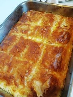 Greek Cooking, Cooking Time, Cooking Recipes, Greek Desserts, Greek Recipes, Phyllo Recipes, Savoury Baking, Savoury Pies, Easy Pie
