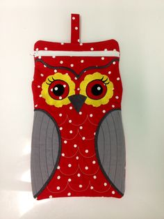 Large Owl Case by fascinatingfindsforu on Etsy, $20.00