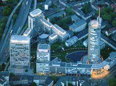 Die Hochhäuser südlich des Essener Hauptbahnhofes prägen das Bild der Stadt. Sie bilden eine sehenswerte Skyline.
