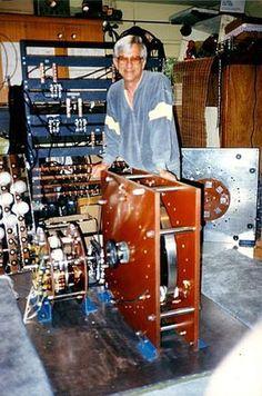 Tesla Generator, Diy Generator, Nikola Tesla Free Energy, Magnetic Power Generator, Electrical Wiring Colours, Zero Point Energy, Magnetic Motor, Energy Projects, Useful Life Hacks