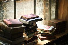 Avoir toujours des piles de livres à lire ♡