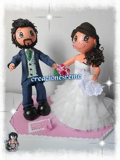 muñeca-goma-eva-personalizadas-novios