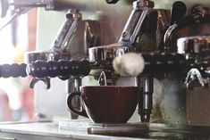 Cafe St-Henri Espresso Machine, Montreal, Coffee Maker, Kitchen Appliances, Jewelry, Jeans Heels, Espresso Coffee Machine, Coffee Maker Machine, Diy Kitchen Appliances
