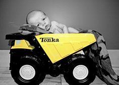 Newborn boy shot by Suetibles Photography