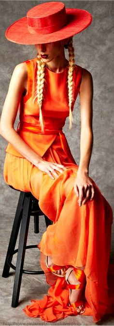 color and flow Hasan Hejazi Spring 2014 Collection Orange Is The New Black, Orange Yellow, Burnt Orange, Orange Color, Orange Twist, Orange Bird, Fashion Week, Look Fashion, High Fashion