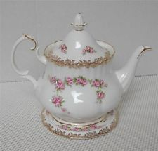 DIMITY ROSE Royal Albert 6 cup TEA POT WITH TRIVET - TILE Bone China England