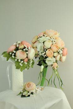 Svatební kytice, kytice pro družičku a korsáž pro ženicha z umělých květin Glass Vase, Home Decor, Decoration Home, Room Decor, Home Interior Design, Home Decoration, Interior Design