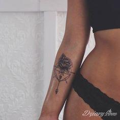 Znalezione obrazy dla zapytania tatuaże damskie